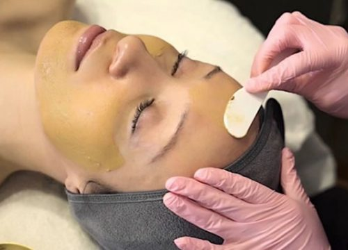 Woman receiving a Cosmelan Mask treatment at JTAV