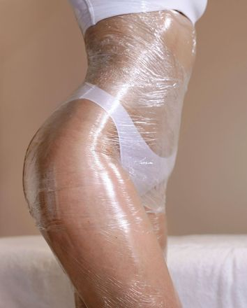 Body wrap on a woman's body