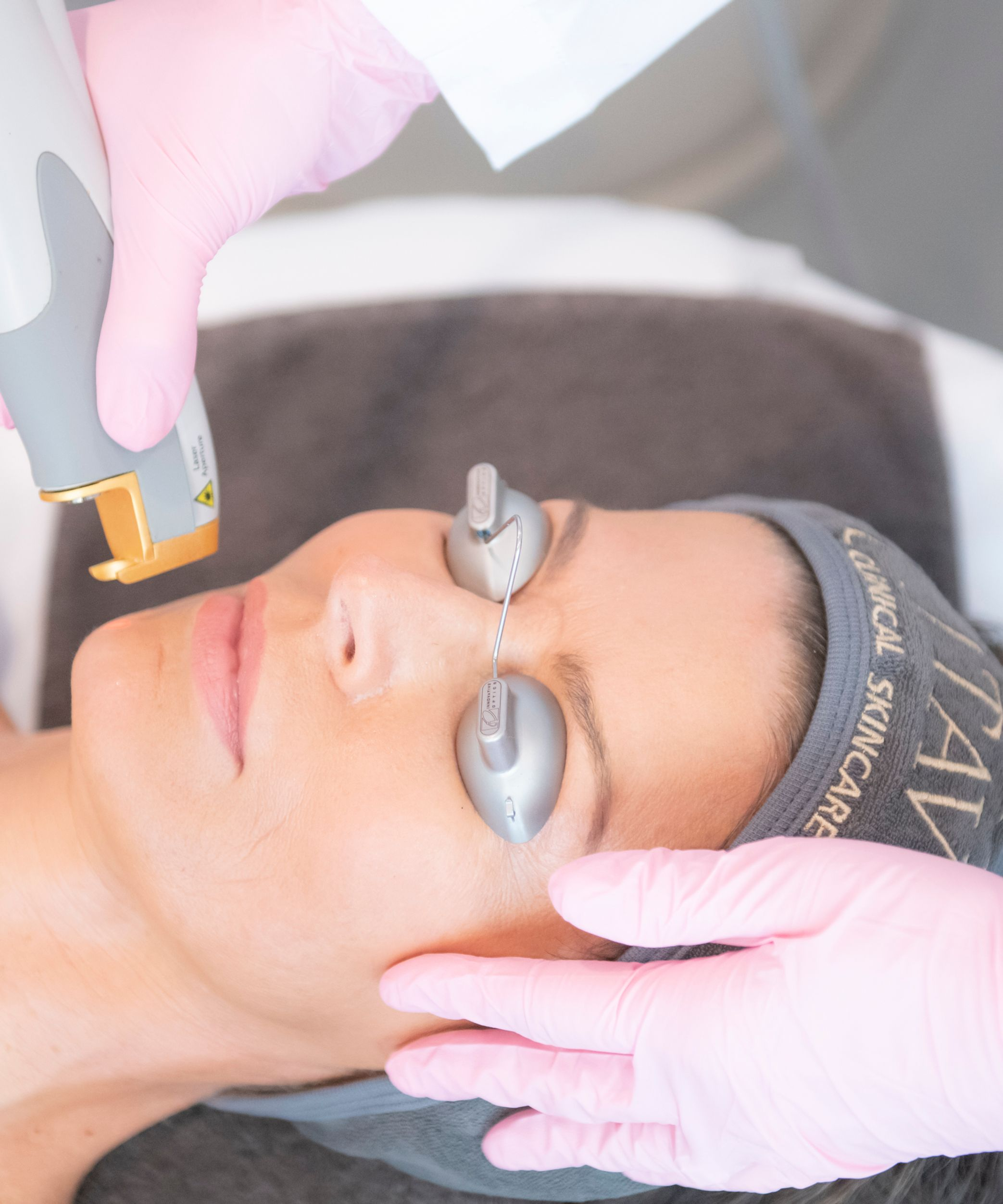 Woman receiving a Laser Genesis® treatment